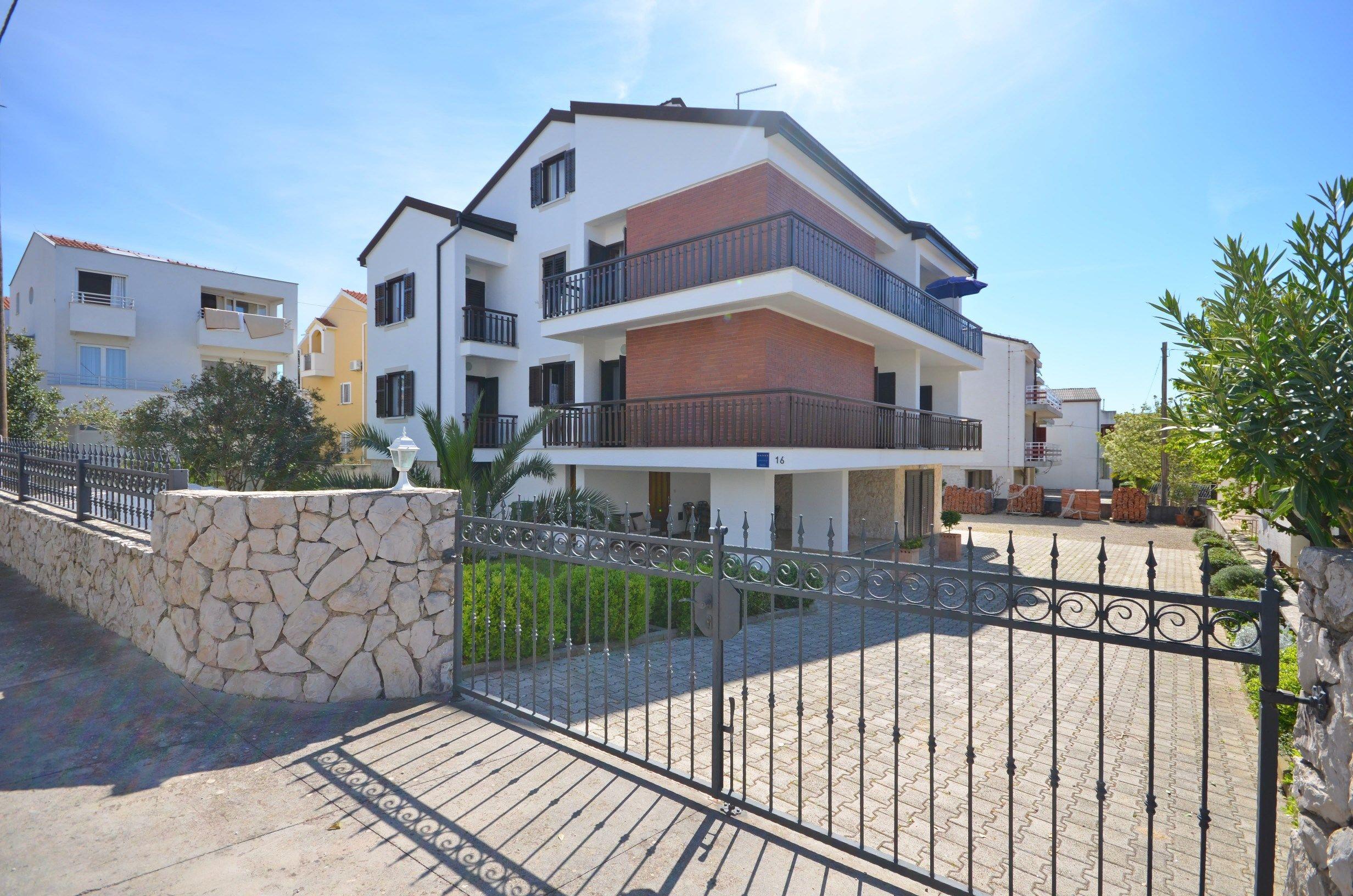 Apartments Saša