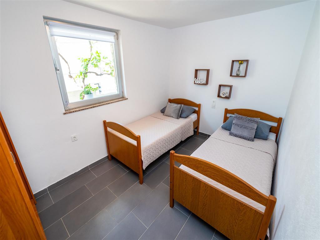 Ferienwohnung Ferienwohnungen MaiaLena-modernly furnished and with nice garden 58492-A1 (2614879), Maslenika, , Dalmatien, Kroatien, Bild 18