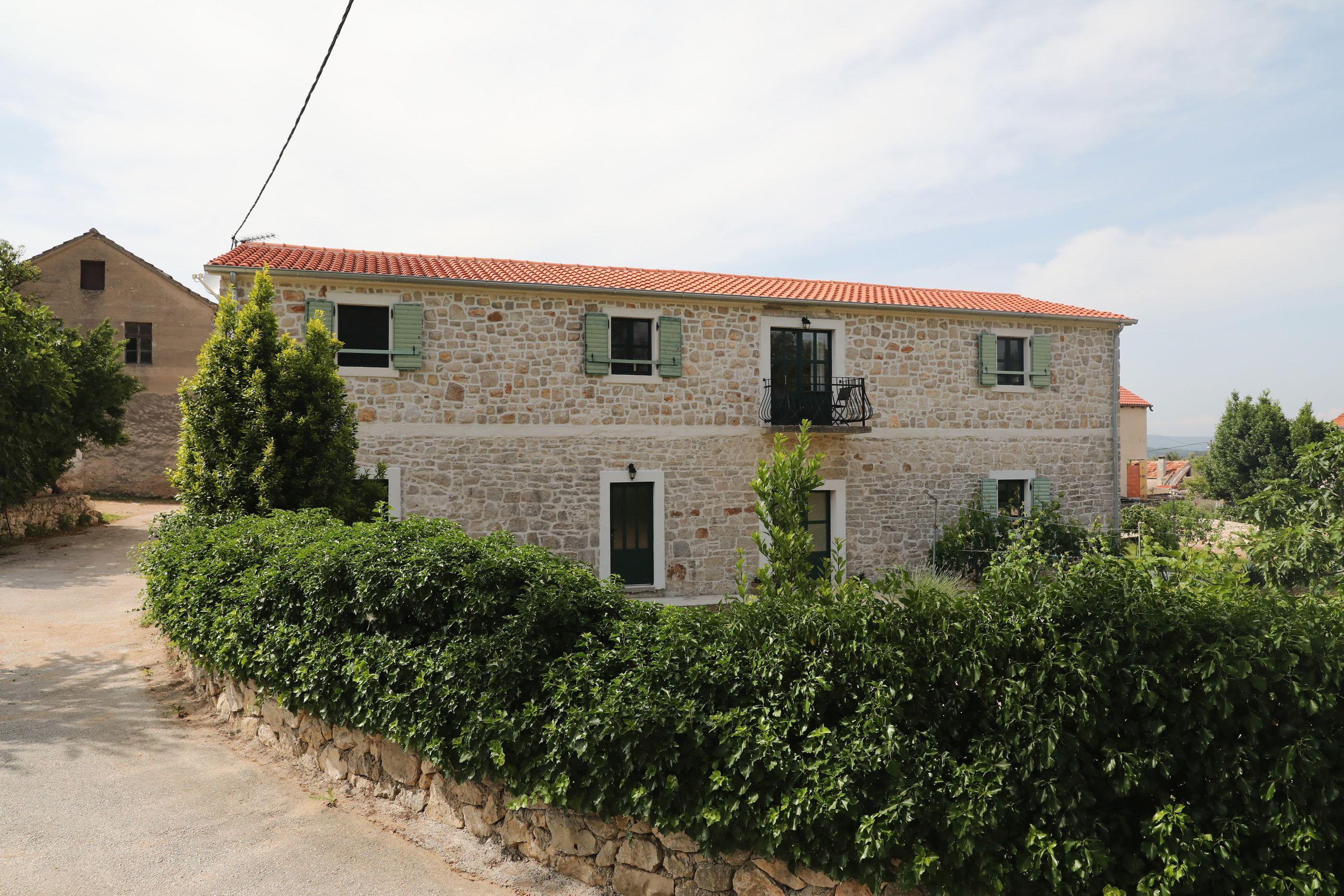 Apartments Tarragon